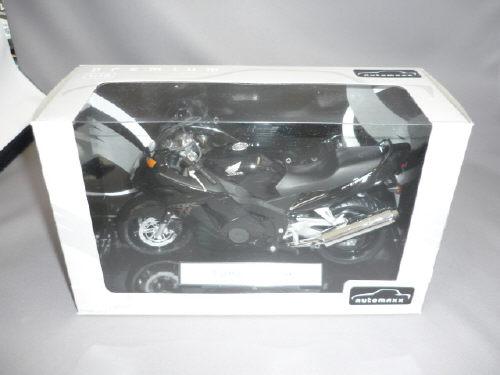 Honda CBR1100XXスーパーブラックバード(ブラック)